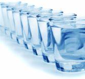 Как убрать отеки? Сколько пить воды?