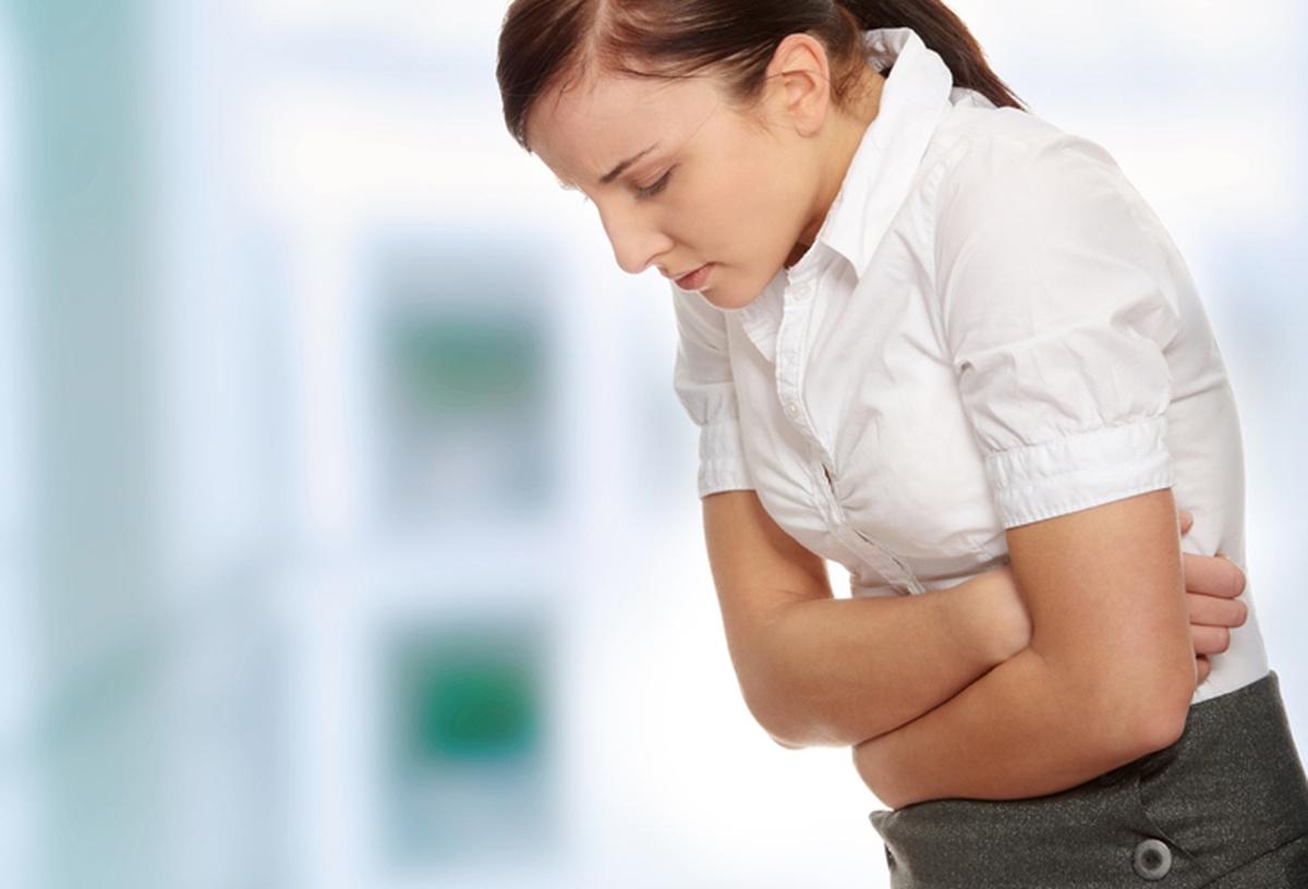 Что делать если после переедания тошнит?